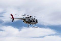 拉斯维加斯警察用直升机飞过 库存照片