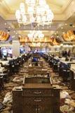 拉斯维加斯,内华达在10月, 1日:内部其中一个旅馆&赌博娱乐场大厅在拉斯维加斯在2013年10月1日,美国 图库摄影
