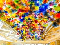 拉斯维加斯,美国- 2016年5月05日:手吹的玻璃花天花板在贝拉焦旅馆 库存照片