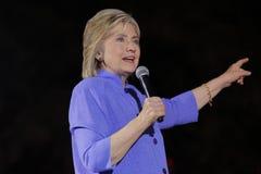 拉斯维加斯, NV - 2015年10月14日:希拉里・克林顿,前U S 国务卿和2016民主党总统候选人, spea 免版税库存照片