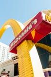 拉斯维加斯- 2010年9月10日:9月10日的麦克唐纳商标寸 图库摄影