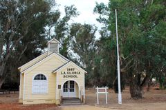 1887拉格洛里亚灌溉博物馆, City,加利福尼亚国王的历史的学校房子 免版税图库摄影