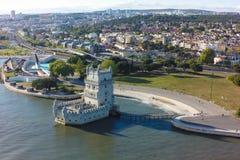 贝拉母塔- Torre de贝拉母鸟瞰图在里斯本,葡萄牙 免版税库存照片