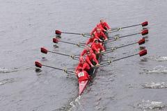 拉特格斯妇女的乘员组在查尔斯赛船会妇女的主要Eights头赛跑  免版税图库摄影