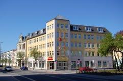 拉特诺德国都市风景有restauranted药房修造的 图库摄影