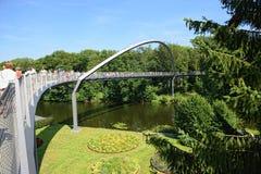 拉特诺都市风景有它的葡萄园桥梁的在Havel ri 库存照片