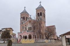 拉科夫斯基,保加利亚- 2016年12月31日:圣迈克尔天主教堂天使在拉科夫斯基镇  图库摄影