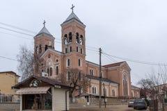 拉科夫斯基,保加利亚- 2016年12月31日:圣迈克尔天主教堂天使在拉科夫斯基镇  免版税库存照片