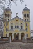 拉科夫斯基,保加利亚- 2016年12月31日:天主教堂耶稣的多数圣洁心脏在拉科夫斯基镇  库存照片