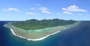 拉罗通加库克群岛全景鸟瞰图 免版税库存照片
