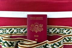 拉脱维亚的护照 库存图片