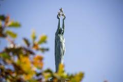 拉脱维亚: 里加的自由纪念碑 免版税库存照片