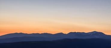 从拉莫利纳滑雪倾斜的日出 免版税库存照片