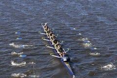 拉萨勒乘员组在查尔斯赛船会人` s青年时期Eights头赛跑  免版税图库摄影