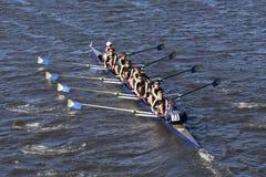 拉萨勒乘员组在查尔斯赛船会人` s青年时期Eights头赛跑  免版税库存照片