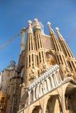 拉萨格拉达Familia -印象深刻的大教堂由俗丽的装饰品设计了 免版税库存图片