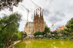 拉萨格拉达Familia -印象深刻的大教堂由建筑师Gaudi设计了,是修造从1882年3月19日并且不是fi 免版税库存图片