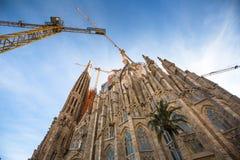 拉萨格拉达Familia -印象深刻的大教堂由Gaudi设计了 免版税库存图片
