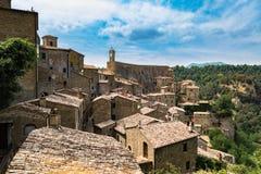 索拉诺,在凝灰岩岩石建设的镇,是一个多数beautifu 图库摄影