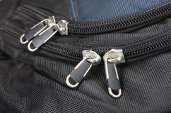 拉链和扣在背包 免版税库存照片
