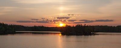 拉长的现有量例证湖向量白色森林 库存图片