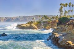 拉霍亚,加利福尼亚海岸  免版税库存图片