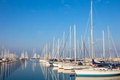 拉韦纳,意大利, 2014年1月07日:小船在拉韦纳小游艇船坞ha 免版税图库摄影