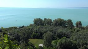 从巴拉顿湖的美好的风景 股票录像