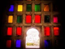 拉贾斯坦的皇家五颜六色的窗口 免版税库存图片