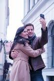 拍与手机的照片 免版税库存照片