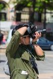 拍在街道上的人照片 库存照片