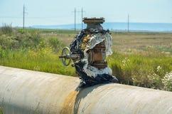 轻拍在主要气体管道 免版税图库摄影
