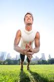 拍手俯卧撑健身人在中央公园纽约 免版税库存照片