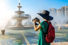 拍摄中央喷泉在布加勒斯特市 免版税库存图片