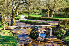 拍板桥梁在Wycoller村庄  免版税库存图片
