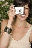 拍照妇女 免版税库存照片