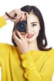 拍照片的亚裔妇女 免版税库存照片