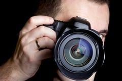 拍照片的摄影师 图库摄影