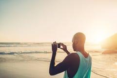 拍照片的美国黑人的人 库存照片