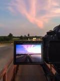 拍水库照片的屏幕照相机 库存图片