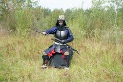 拔出katana的武士 免版税库存图片