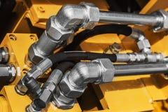 拖拉机或推土机o的管和管子的燃料系统 免版税图库摄影