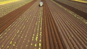 拖拉机耕领域的土地 影视素材