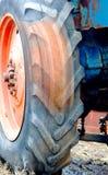 拖拉机轮子的照片 免版税库存图片
