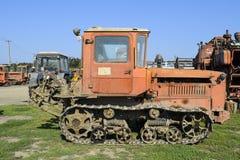 拖拉机 种植播种机弹簧的农业机械 免版税图库摄影