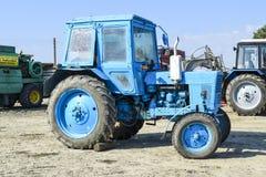 拖拉机 种植播种机弹簧的农业机械 库存照片