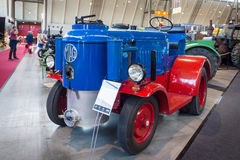 拖拉机MIAG SH40 Holzgas (木气体发电器), 1943年 库存照片
