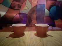 拖曳夫妇的杯子 免版税图库摄影