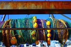 拖网渔船小船网在从地中海的轴滚动了 图库摄影