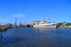 拖网渔船 免版税库存照片
